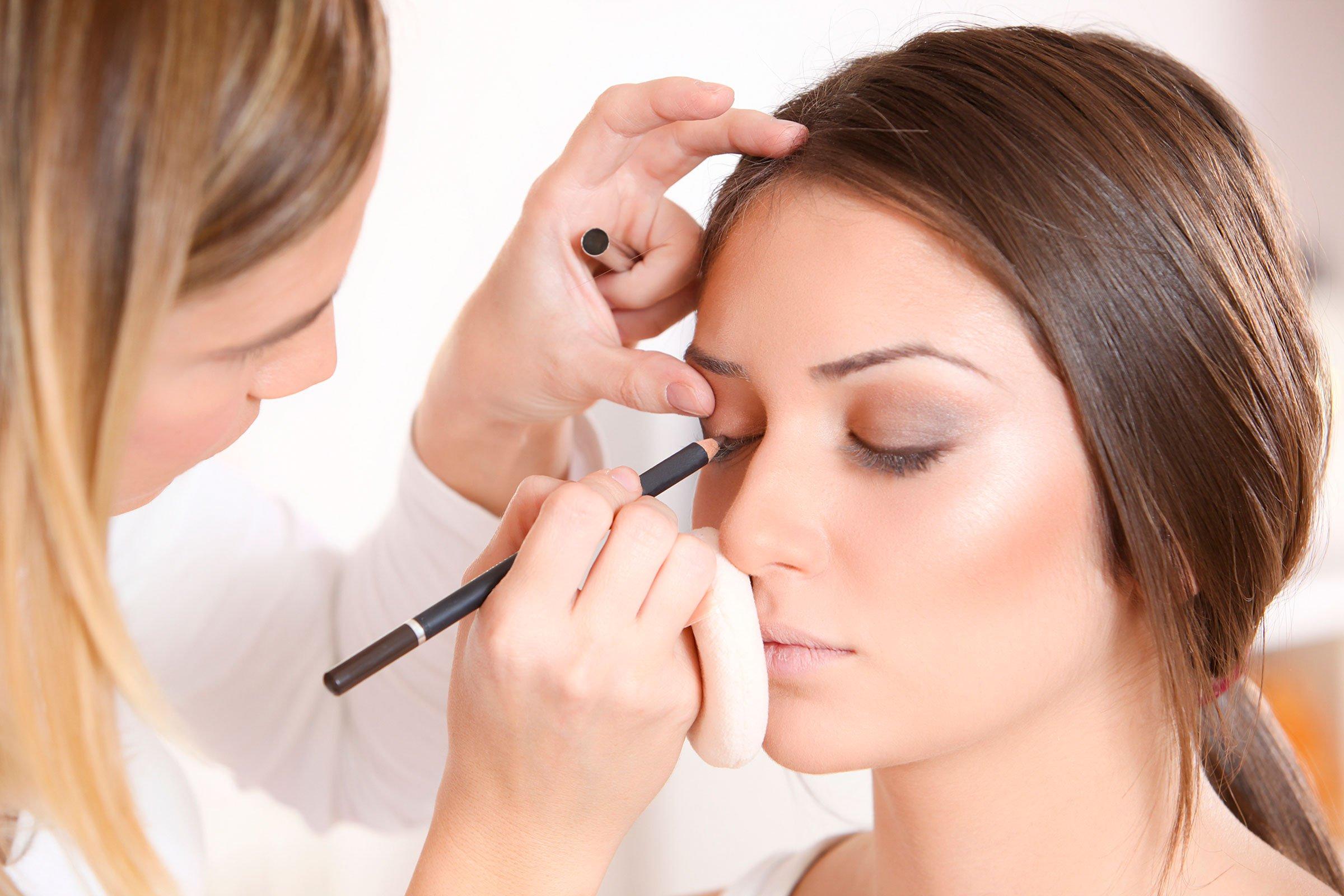 آموزش رشته آرایشگری زنانه ، درآمد آرایشگری زنانه ، آرایشگری زنانه آموزشگاه ، مرکز آموزش آرایشگری