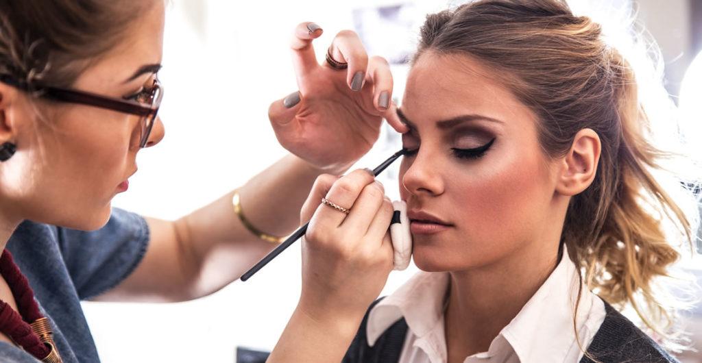 آموزش آرایشگری زنانه حرفه ای